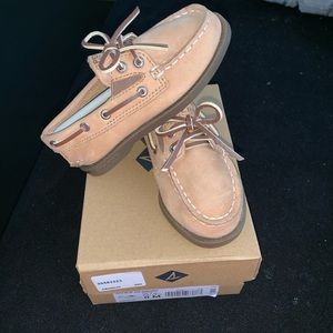 Sperry's Boys 8t